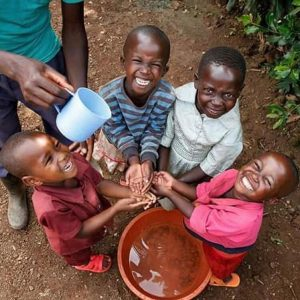 Kids washing hands